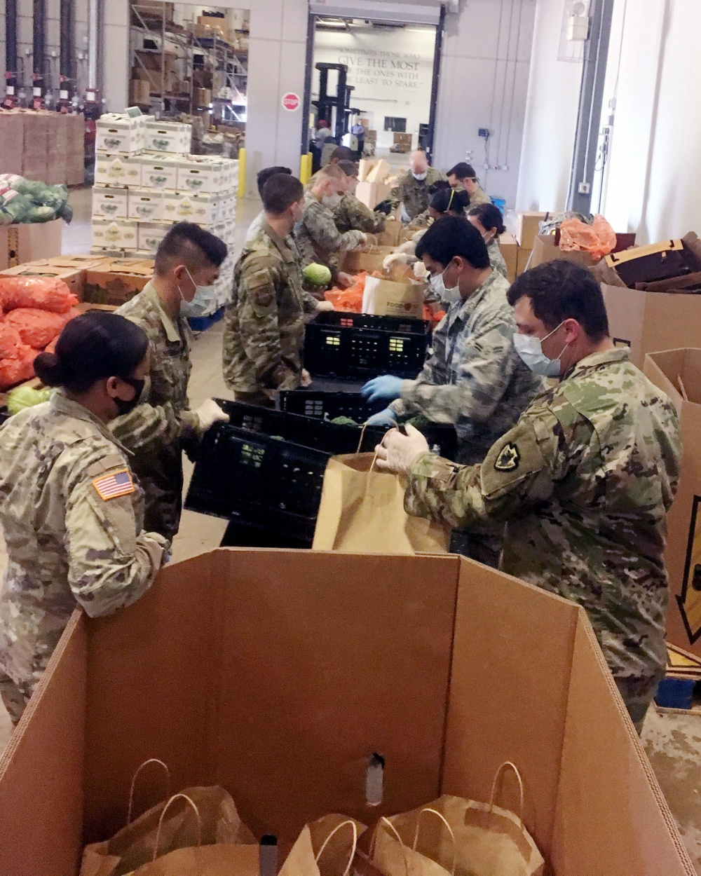 Texas Guardsmen mobilize to support local food bank efforts -