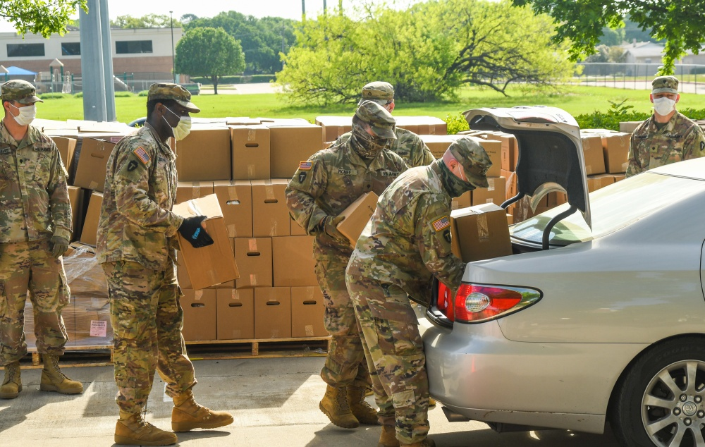 Guardsmen Support North Texas Food Bank -
