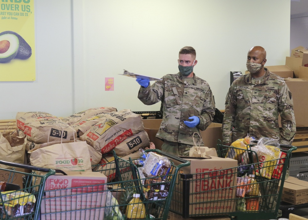 Joint Task Force 176 members support New Braunfels Food Bank -